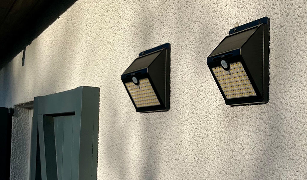 Set van 2 solar wandlampen met sensor